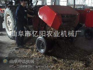 自走式小麦秸秆打捆机