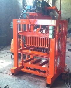 zui好的免燒磚機廠家豫鴻附加推出質優的砌塊機設備
