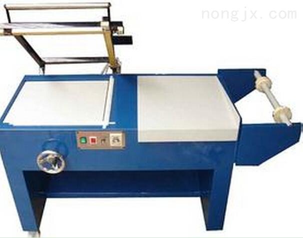意大利进口研发型气流粉碎机专用隔离箱